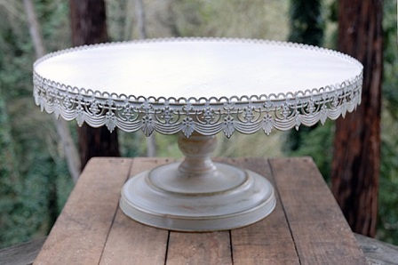Where to find 22  Round Antique Cake Stand in Fresno